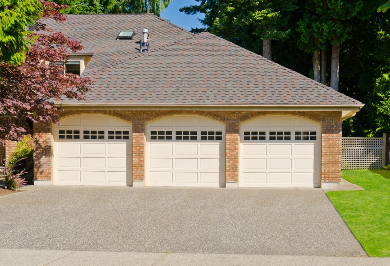 Possible Causes of a Garage Door Not Opening Properly